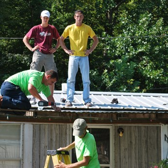 Repairing a roof in Wolfe County
